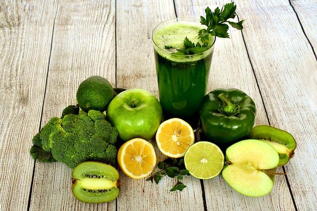 smoothie nápoj ovocie.jpg