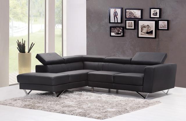 gauč v obývačke.jpg