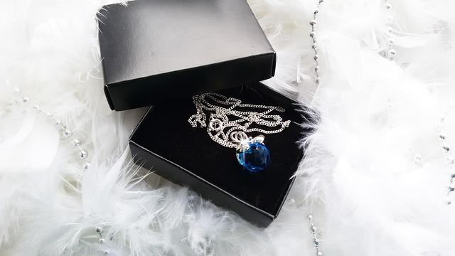 jewelry-733665_640